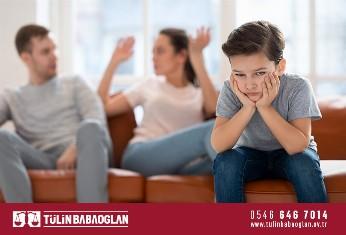 Boşanan Kadın Çocuklarına Kızlık Soyadını Verebilir Mi?